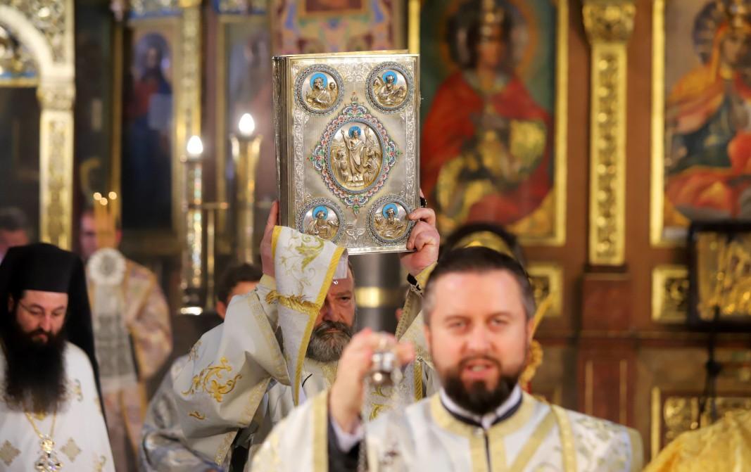 Православните християни по света празнуват втори Великден