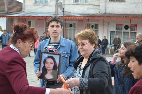 На втория ден от Великден във видински села играят хоро за мъртвите души – видео